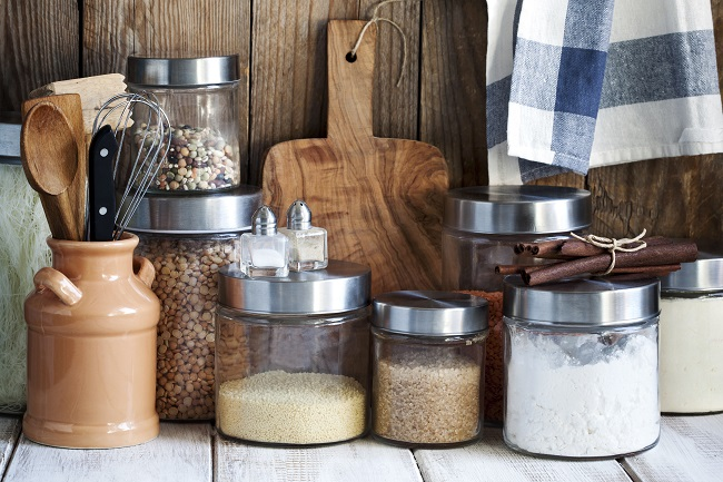 The Benefits to Dry Storage When Renting Commercial Kitchen Space