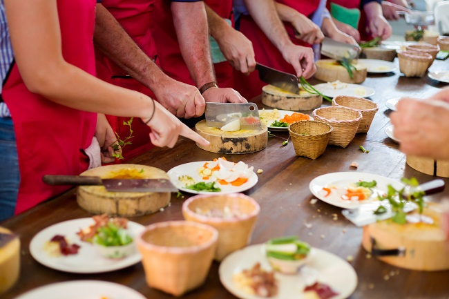 The Benefits of Hosting Cooking Classes